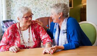 De allerbeste, gespecialiseerde dementiezorg wanneer thuis wonen niet meer gaat. Ontdek snel meer.