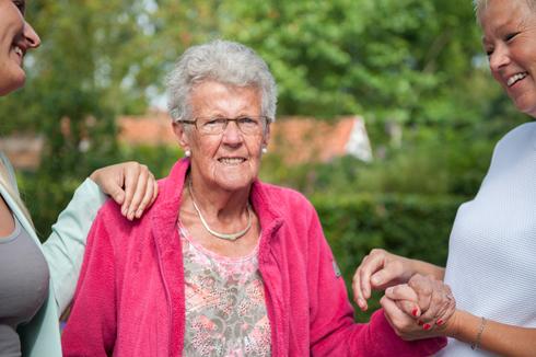 De allerbeste, gespecialiseerde dementiezorg wanneer thuis wonen niet meer gaat. Ontdek snel meer bij Martha Flora Den Haag.